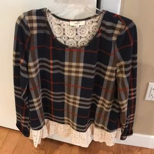Boutique Top with flannel and lace size L